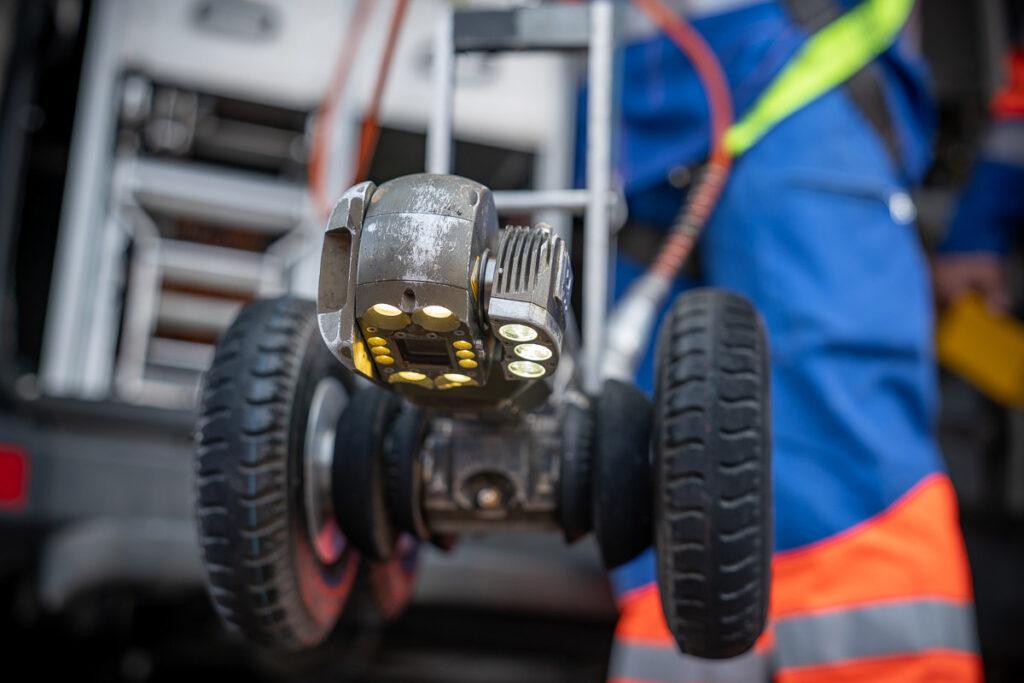 Kanal total Kanalreinigung mit Roboter
