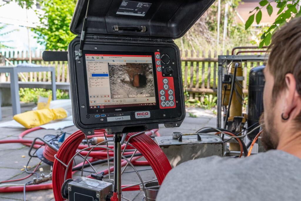 Kameraaufnahme bei Kanalsanierung